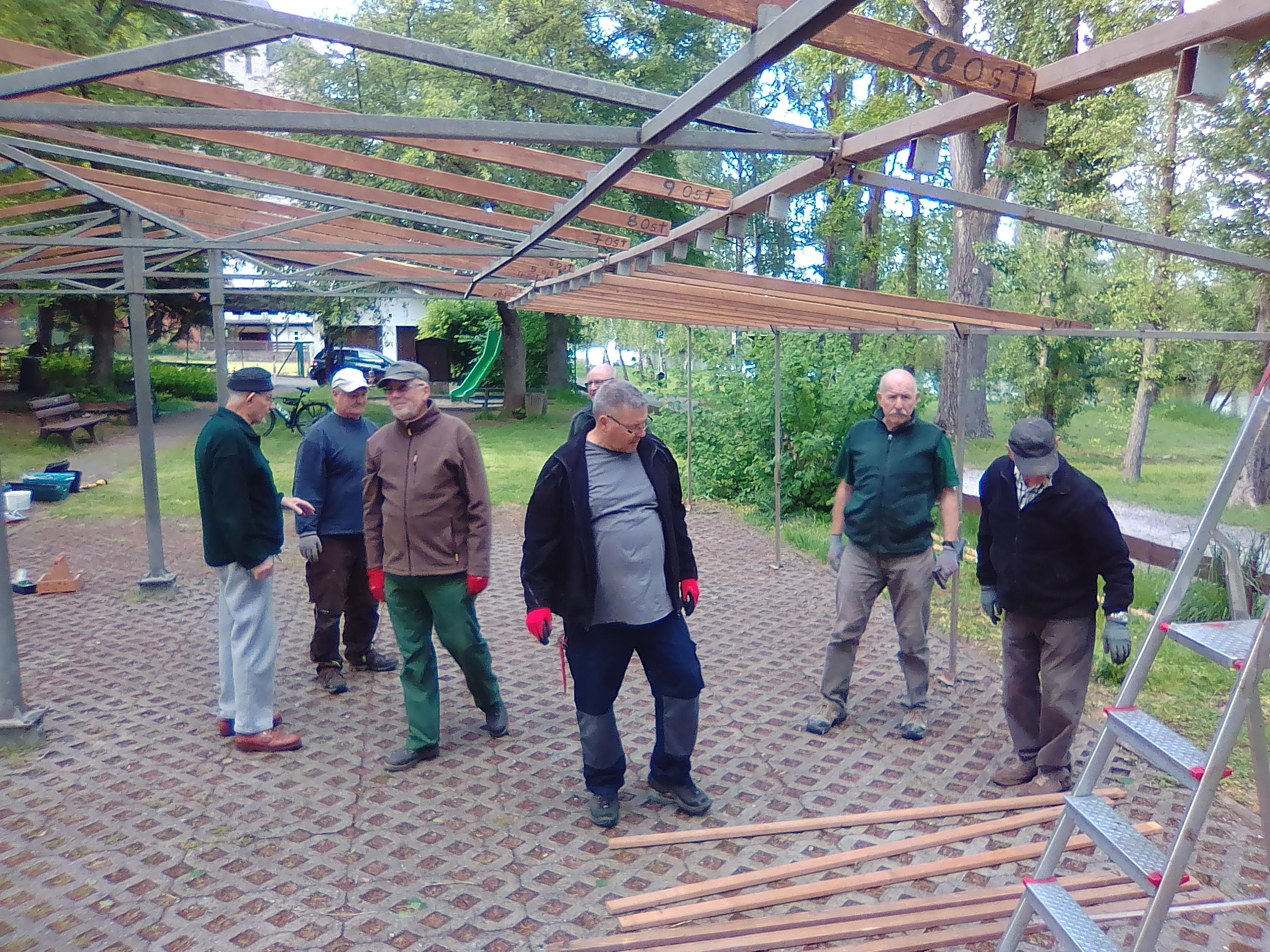 Zeltaufbau am Dienstag, dem 14. Mai 2019